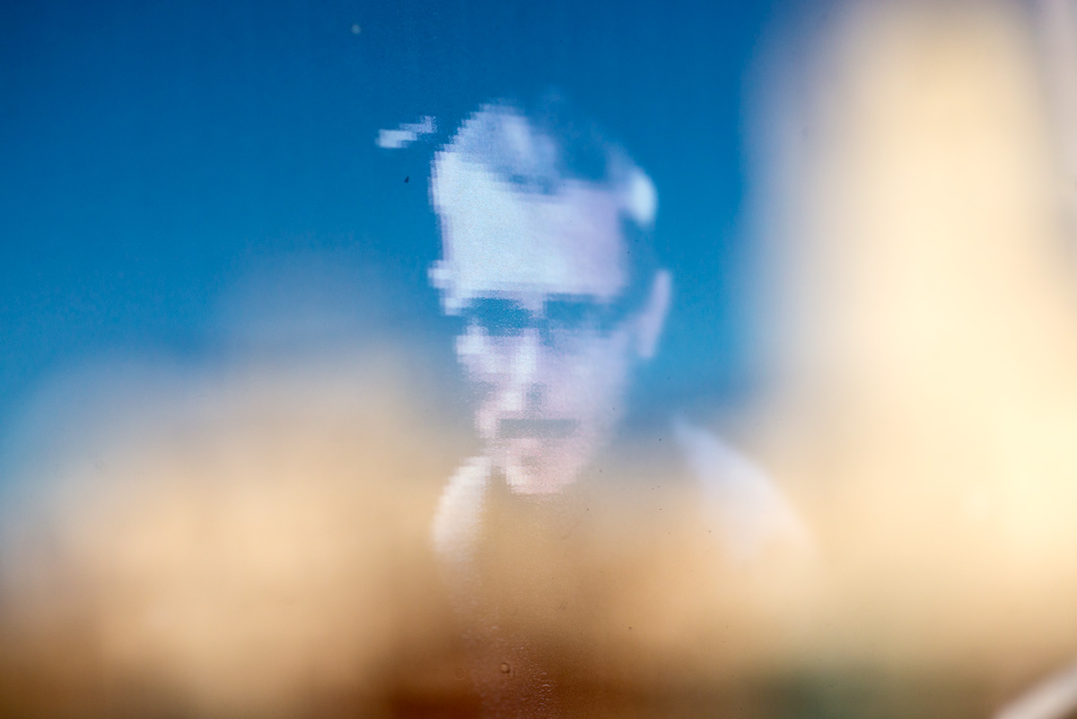 http://carlbeanlarson.com/files/gimgs/42_cbl-surveillance-valencia-02-1200px.jpg